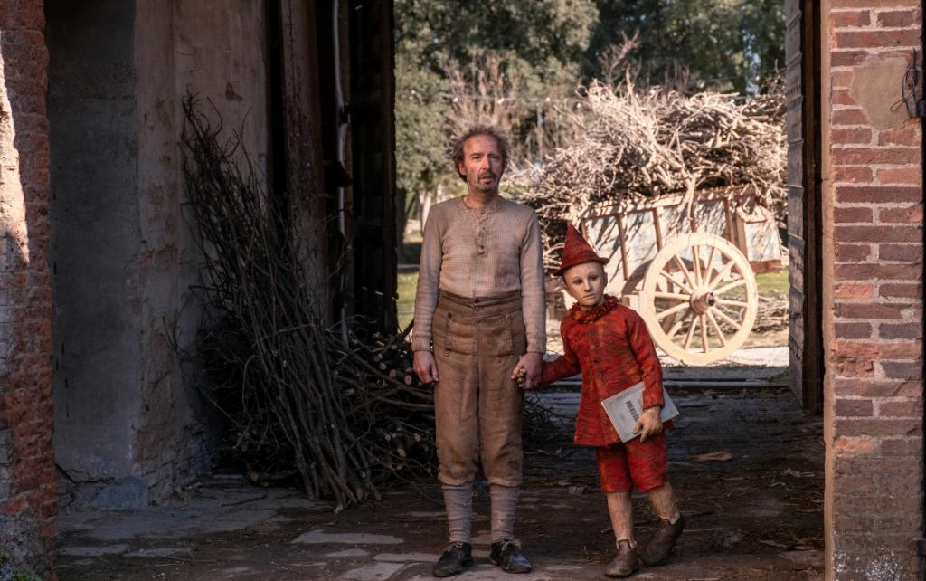 """Современная перезагрузка классической истории """"Пиноккио"""": как Роберто Бениньи пытается убедить нас, что можно сыграть куклу"""