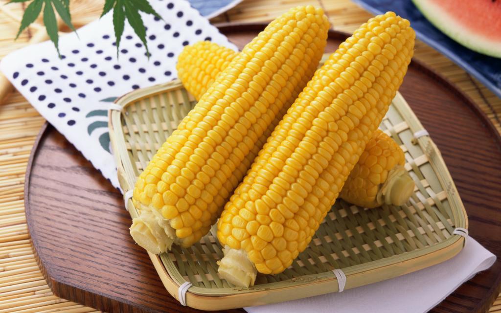 Зимой дети просят открыть  баночку лета : вкусная маринованная кукуруза