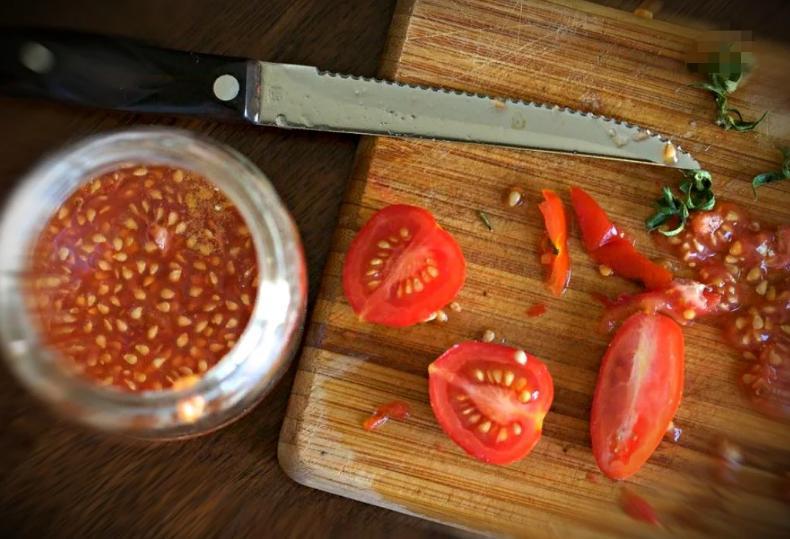 Как быстро собрать семена из помидоров? Мама показала очень легкий способ