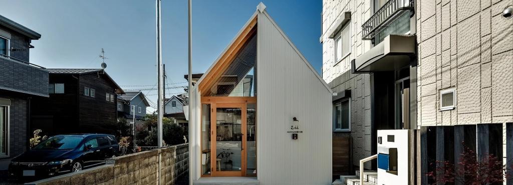 12-летняя девочка из Японии нашла свой талан в кондитерском деле, а конструкторское бюро построило для нее магазин площадью всего 16,5 кв. м (фото)