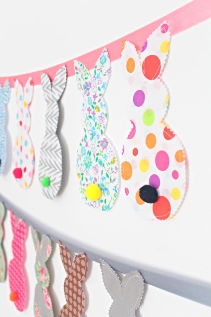 Для детского праздника сделала красивую гирлянду с кроликами: нужны лишь обрезки ткани и немного фантазии