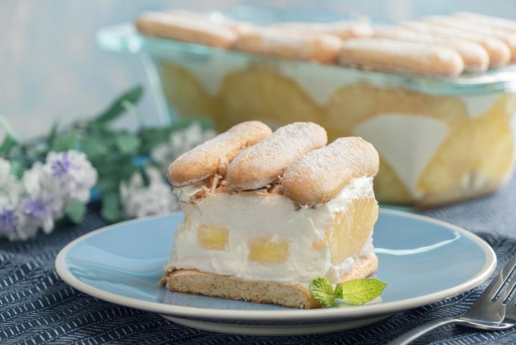 Вкусный тортик с ананасом, бананом и низкокалорийным йогуртом: одним кусочком себя никогда не ограничиваю