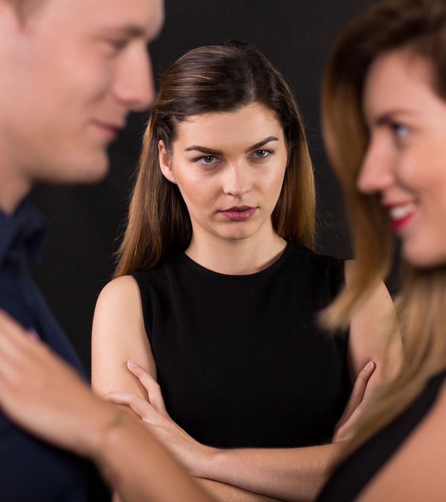 Как определить, есть ли у вашего партнера эмоциональный роман на стороне, или вы просто слишком ревнивы