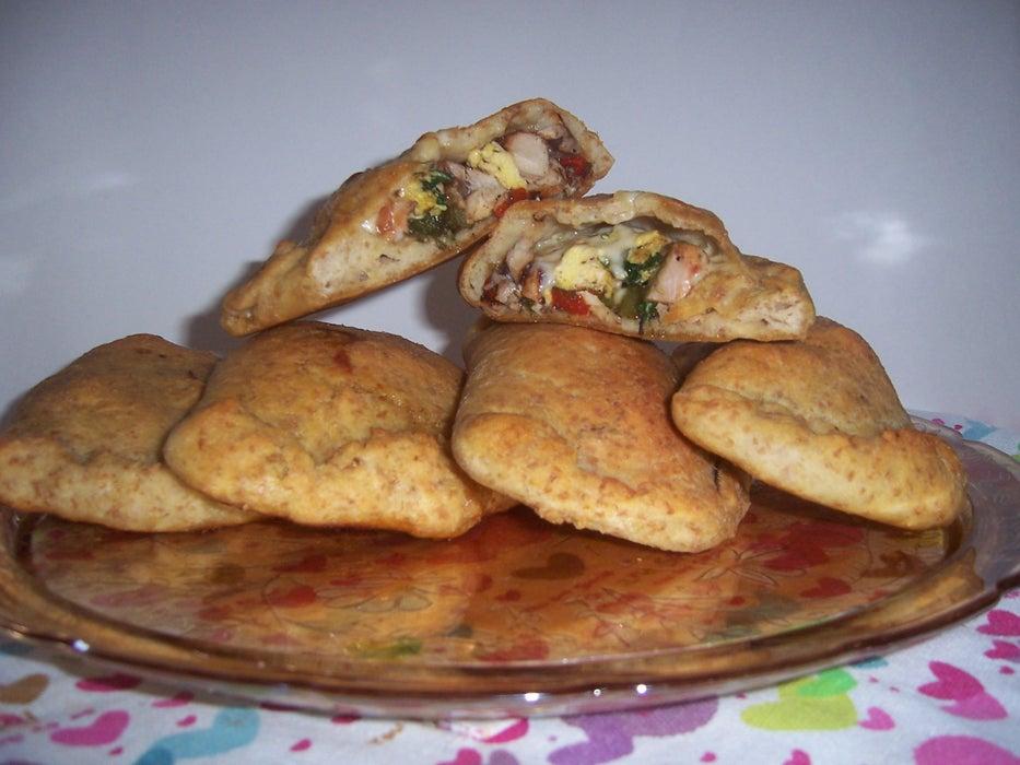 Поднимают настроение и заряжают белком: для перекуса готовлю сытные пирожки с грибами, овощами и яйцами