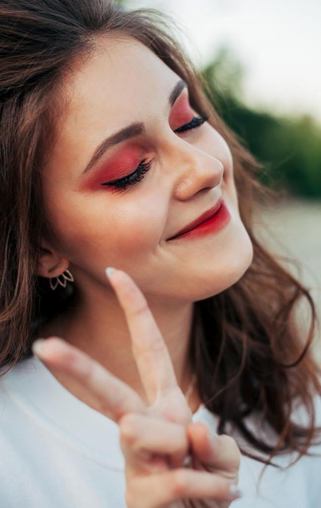 Лисьи глазки в моде: визажист рассказал, как сделать идеальный лисий взгляд