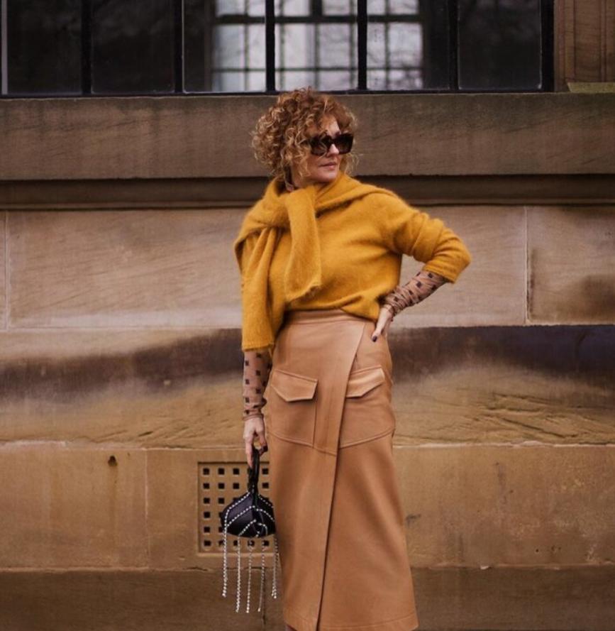 Судя по моде, осень в 2020 году будет стильной: образы для женщин, которым за 40