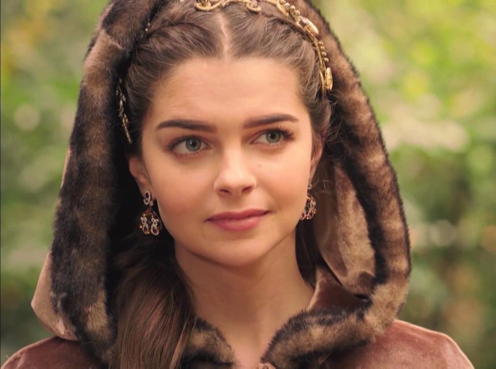 Пересмотрела  Великолепный век  и снова восхитилась обаянием актрис сериала: мой личный рейтинг красоты (Мерьем Узерли в нем нет)