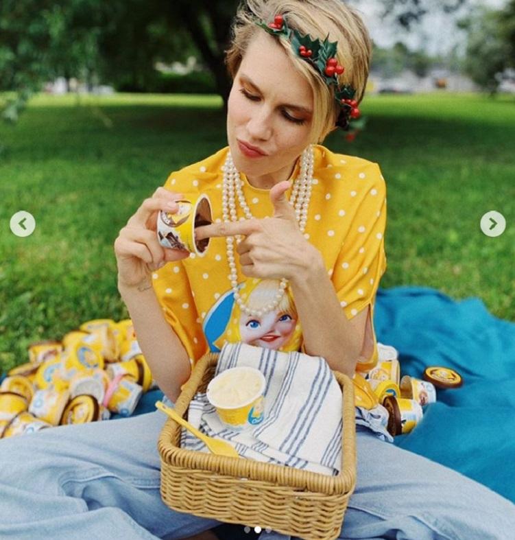 """Зачем ей столько еды: актриса сериала """"Папины дочки"""" Дарья Мельникова поделилась необычным """"гастрономическим"""" фото, которое, впрочем, пришлось по душе фанатам"""