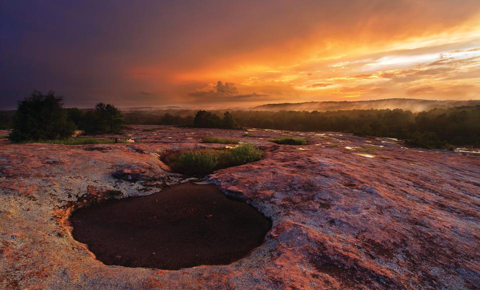 Экзотические места для любителей природы: Скалистые горы Колорадо, парк Данбар Кейв в Теннесси и другие