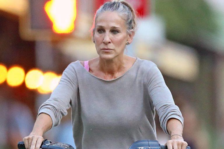 Помните Секс в большом городе? 20 лет спустя автор книги и сценария написала продолжение, лейтмотив которого: Пожилым женщинам так же неловко, как постаревшим мужчинам?