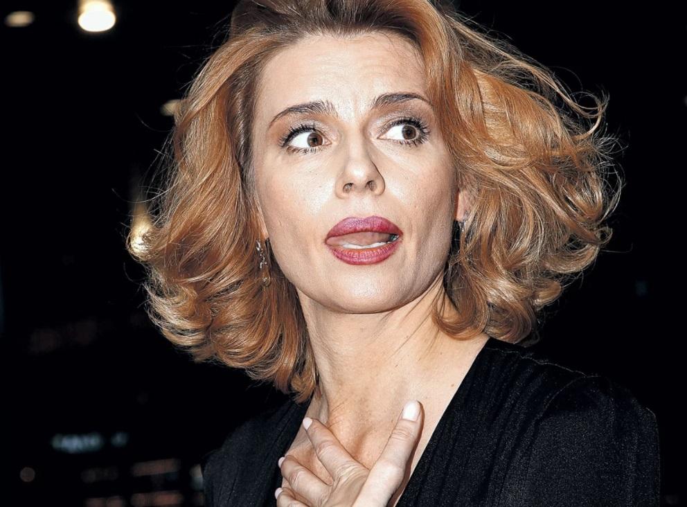 Любовь Толкалина подверглась критике со стороны подписчиков: актриса хотела поддержать коллегу, но высказалась очень неосторожно