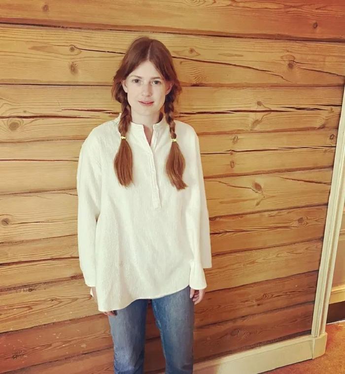 Немного фантазии и улыбка: Софья Эрнст показала лайфхак, как стать на 10 лет моложе