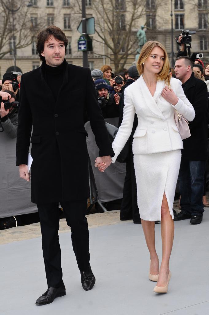 После 9 лет отношений модель Наталья Водянова и сын миллиардера Антуан Арно официально поженились: свадьба состоялась в Париже