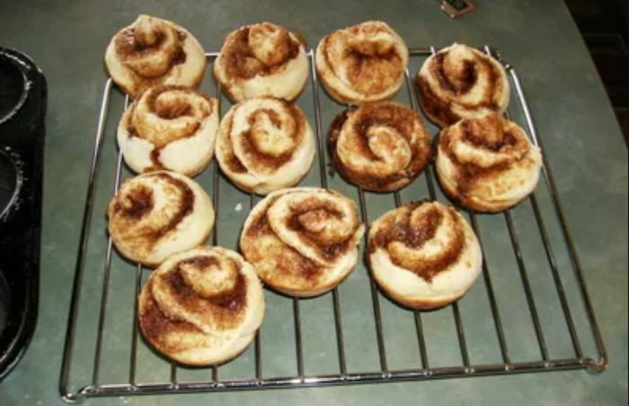 Интересная подача синнабонов: булочки готовлю в виде кексиков