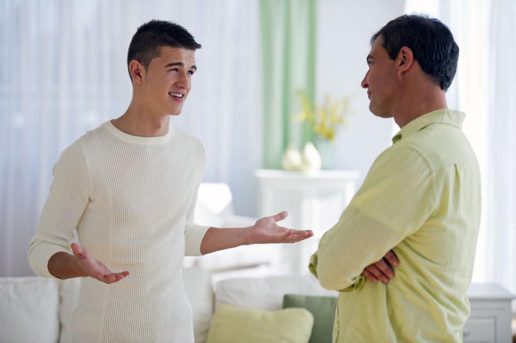 Сын жены от первого брака хорошо зарабатывает, но не помогает. Должны ли дети вкладываться в бюджет семьи: психологи провели опрос