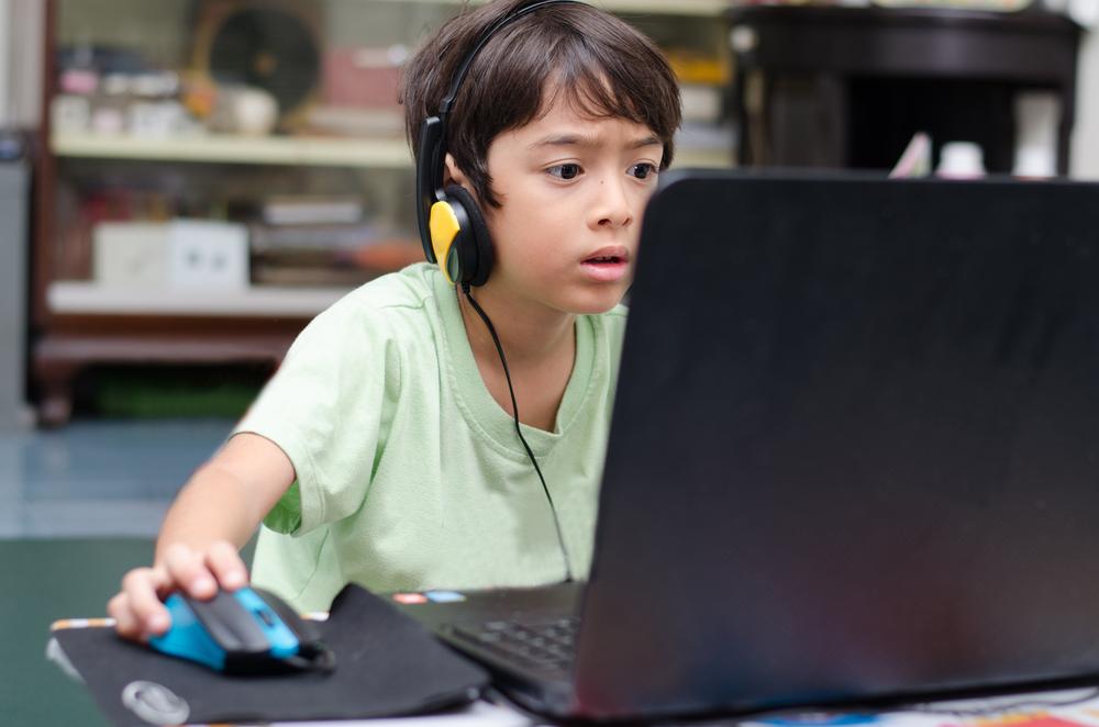 Компьютерная зависимость вызывает задержку развития у детей: российские ученые провели исследования и нашли связь