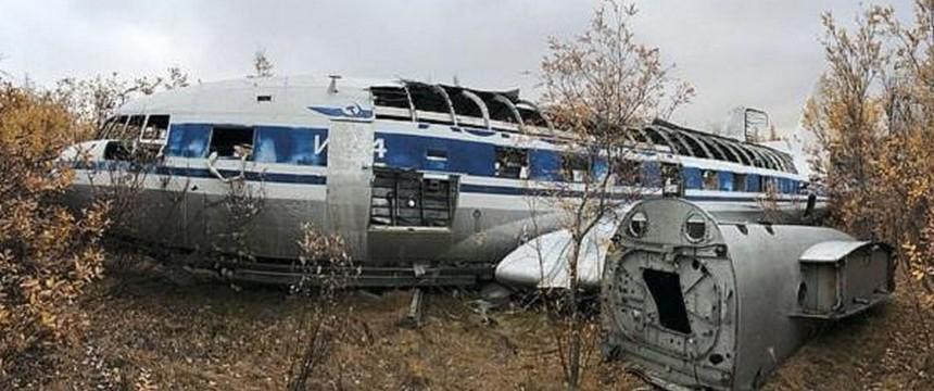 В Якутии нашли личный самолет первого секретаря ЦК КПСС Никиты Хрущева: Ил 14П с VIP салоном и всеми удобствами теперь ржавеет на кладбище