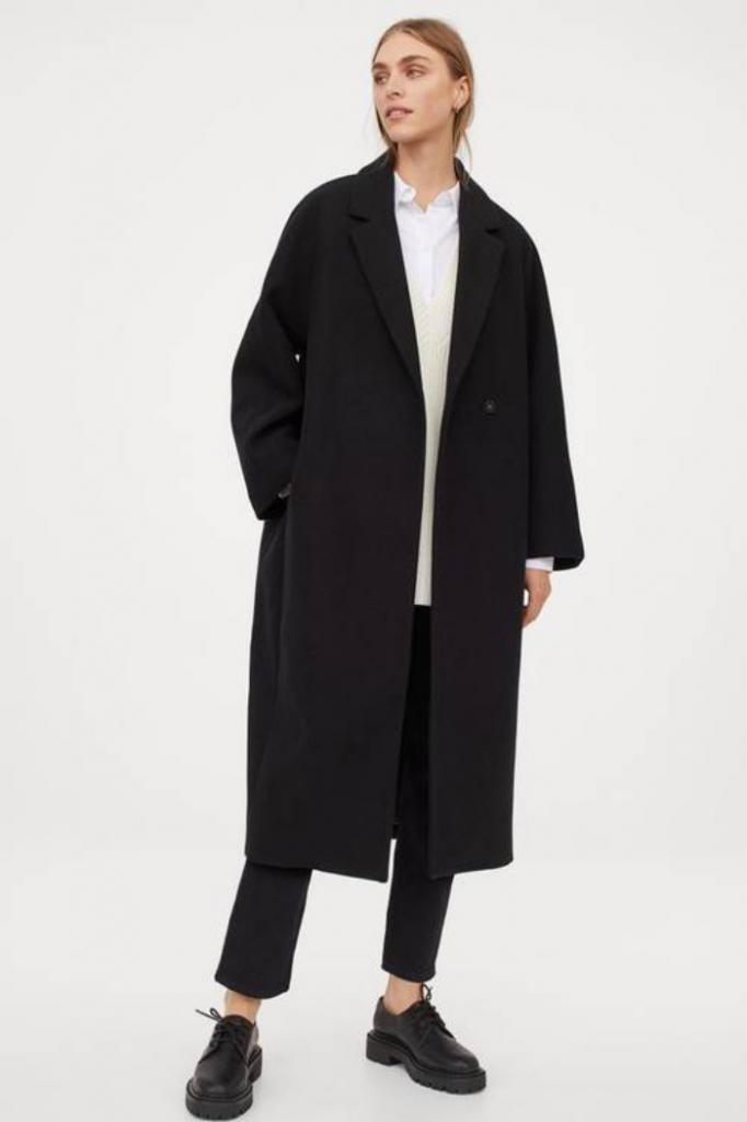 Длинные плащи и пальто, кожаные пиджаки: что носят этой осенью любители классического стиля