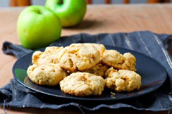 Пеку очень вкусное яблочное печенье: так просто, что даже дочка умеет сама его готовить