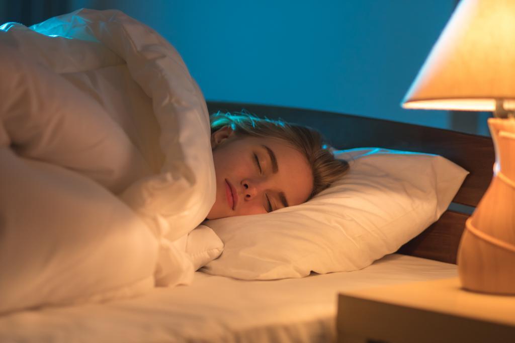 Новое исследование: световое загрязнение разрушает сон подростков и может способствовать психическим расстройствам