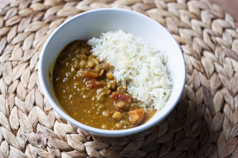 Вкусное и аппетитное чечевичное карри к рису: отличный вариант для сытного ужина