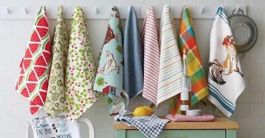 Кухонные полотенца стираю в микроволновке от застарелых жирных пятен и запаха за 3 минуты: мягкие, чистые