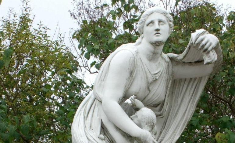 В Царском Селе обнаружили объект, очень похожий на утерянную в годы войны статую 18-го века