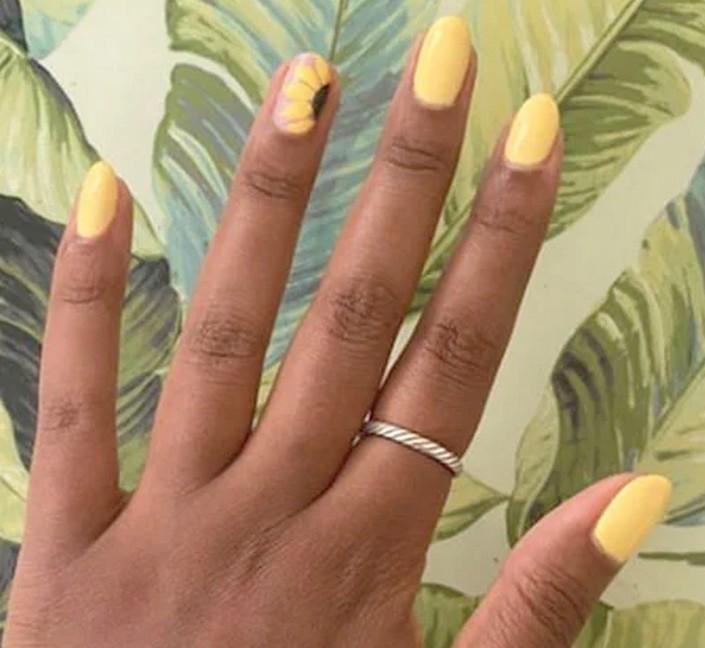 Осенний маникюр: 10 вариантов желтого дизайна ногтей - классический, с подсолнухом и другие