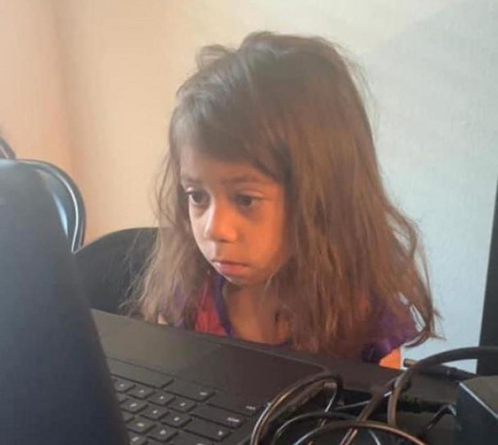 Родители делятся последствиями дистанционного обучения: смешные фото