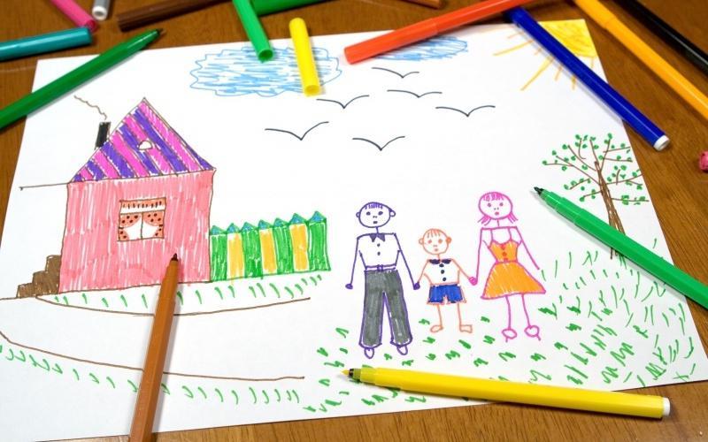 Ребенок сначала нарисовал пейзаж, затем людей, и я задумалась - о чем говорят детские рисунки?