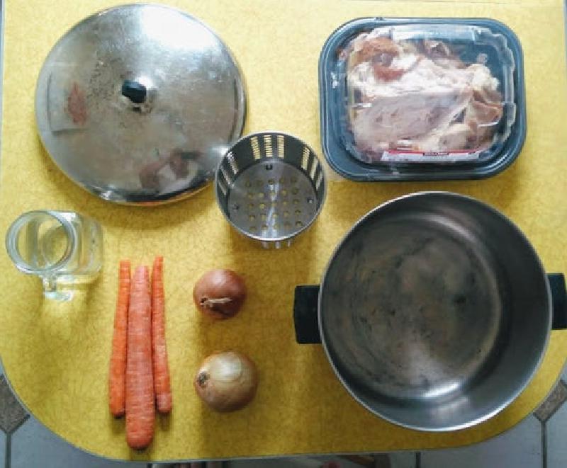 Домашний бульон из обрезков овощей и косточек   отличная основа любого блюда