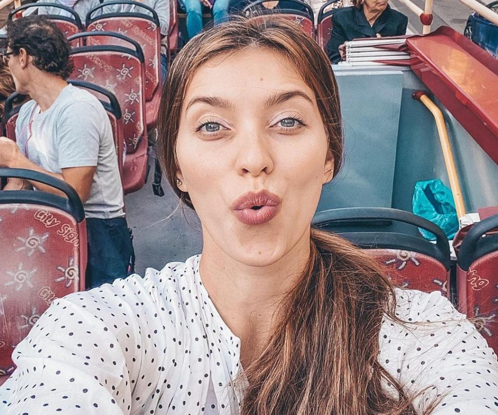 На коньках стояла в прошлом веке: Регина Тодоренко рассказала фанатам о своем отношении к участию в Ледниковом периоде