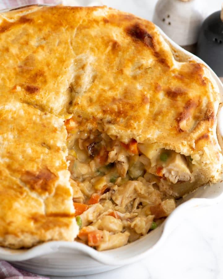 Открыла для себя лучший рецепт куриного пирога с овощами. Нашла у американской блогерши