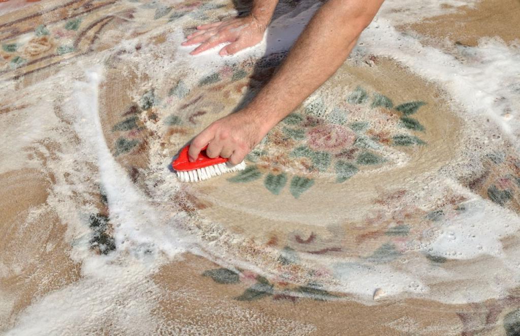 Грязный ковер можно легко очистить без химикатов. Пробуем средство из 4 компонентов