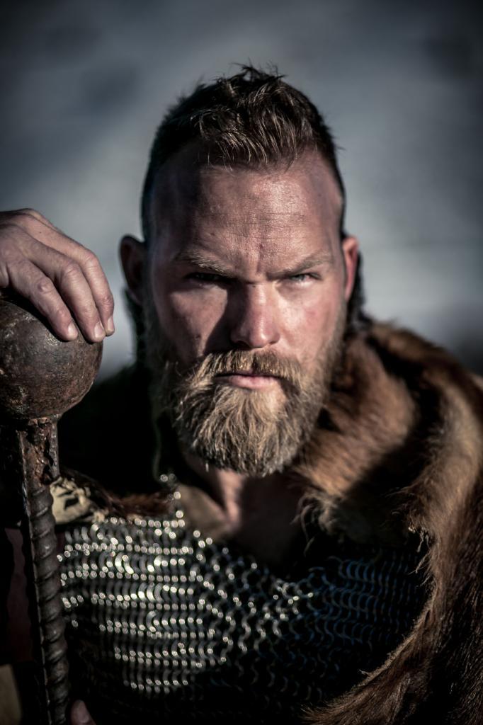Высокие блондины со светлой кожей? Исследователи обнаружили, что среди древних викингов было много темноволосых людей