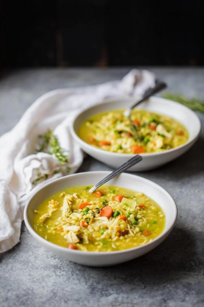Моник, блогер-кулинар в Instagram, поделилась рецептом супа, который помог ей восстановиться после гриппа