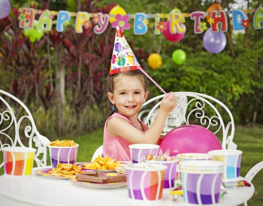 Почему так важно отмечать день рождения ребенка каждый год? Это повышает самооценку и не только
