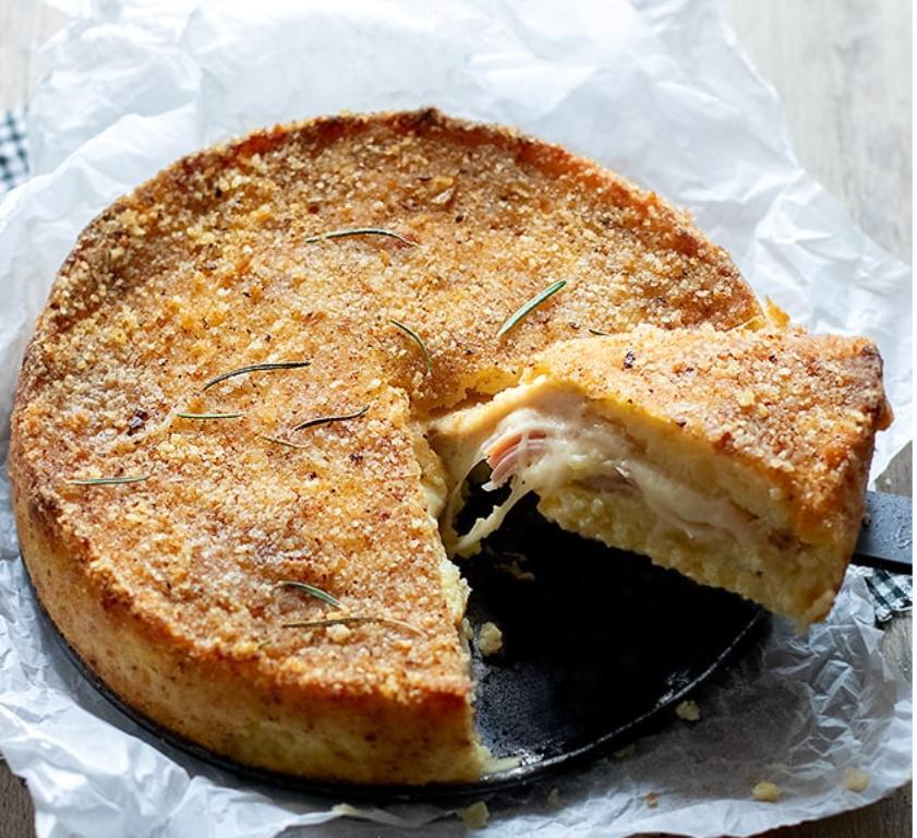 Фаршированный ветчиной и сыром картофельный пирог - произведение искусства: рецепт