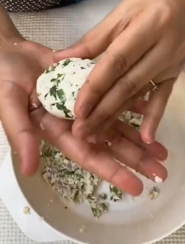 В кафе для вегетарианцев попробовала сырные котлетки: такое пряное блюдо ем впервые – попросила рецепт у шефа