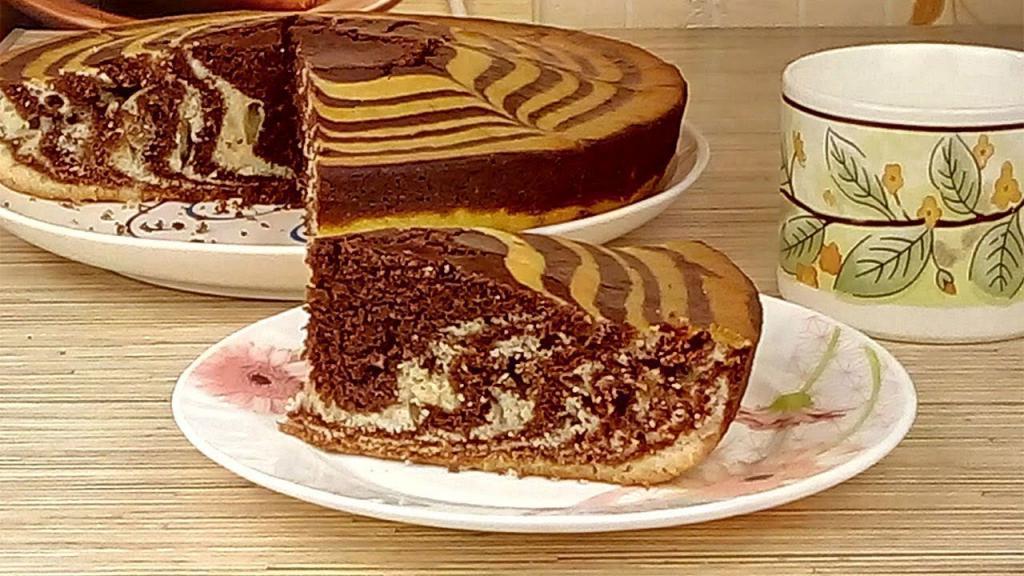 На скорую руку пеку пирог из манки Зебра: выручает, когда нужно что-то быстро подать к чаю