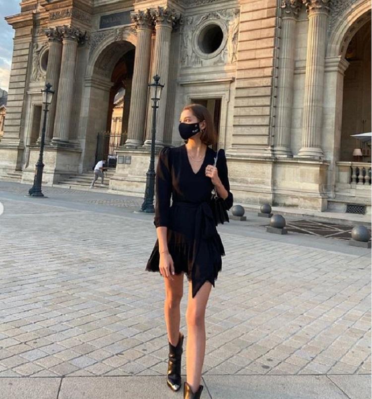 Какая сногсшибательная девушка. Алеся Кафельникова поразила поклонников своим черным платьем