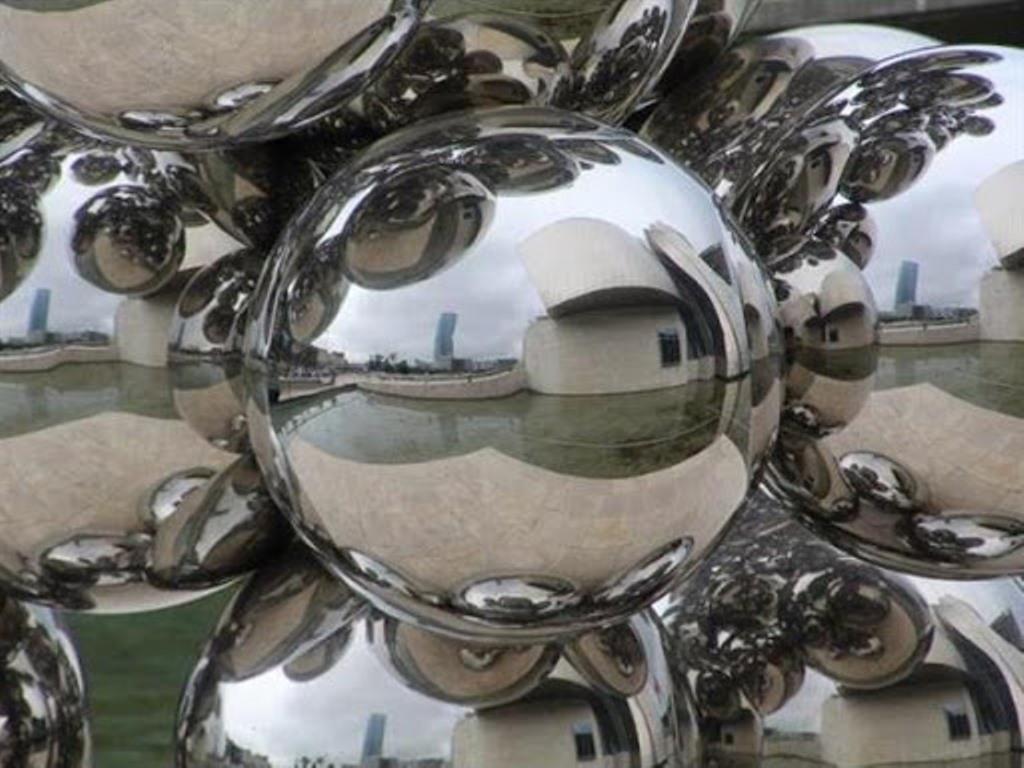 Серебряные фигурки во сне – к богатству, а мелкие монеты – к слезам. Что еще предвещает серебряный сон