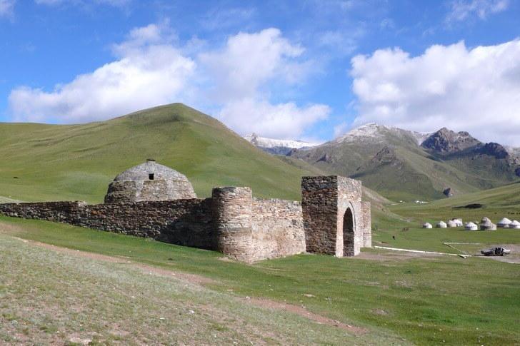 Кочевники, базары и Великий Шелковый путь: Киргизия открылась для россиян - выбрали самые лучшие направления для посещения в этой прекрасной стране