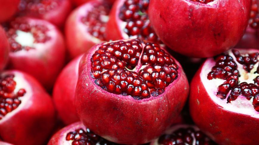 Когда покупаю гранат, обязательно его сжимаю: как выбрать самую вкусную и спелую ягоду