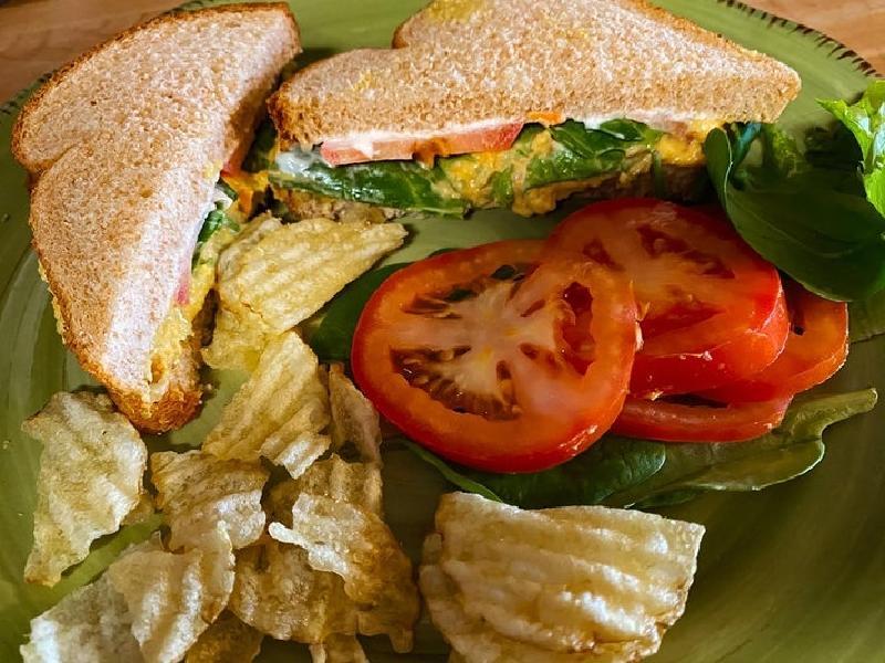 Овощной сэндвич с салатом из нута для тех, кто хочет внести разнообразие в свой рацион