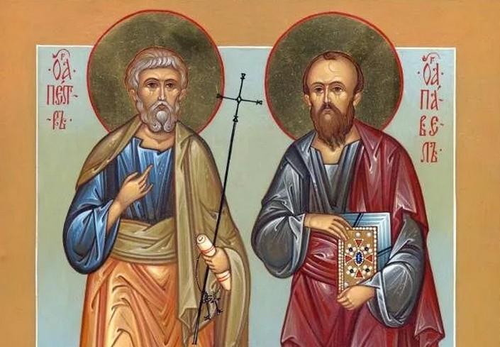 Народный праздник Петр и Павел Рябинники отмечается 23 сентября 2020 года. В этот день рябиной лечат боли в груди и отгоняют злые силы