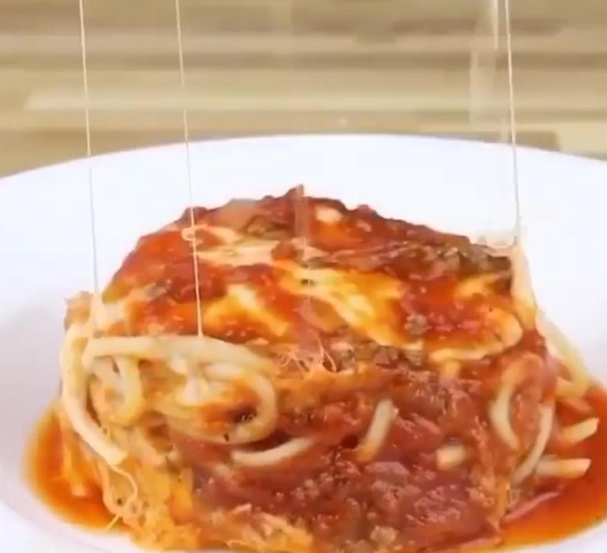 Три минуты времени и вчерашние макароны стали сегодняшними: тещин рецепт