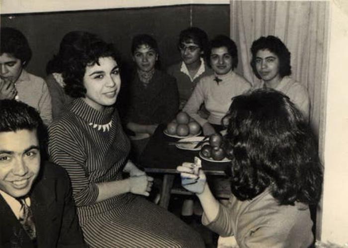 Одежда почти не отличалась от европейской: как выглядели жители Ирана в 1950-60-х годах. Фотографии из семейных альбомов