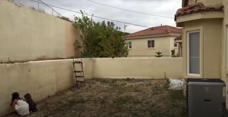 Мужчина решил сделать сюрприз жене. Теперь задний двор его дома выглядит совершенно по-другому (фото)