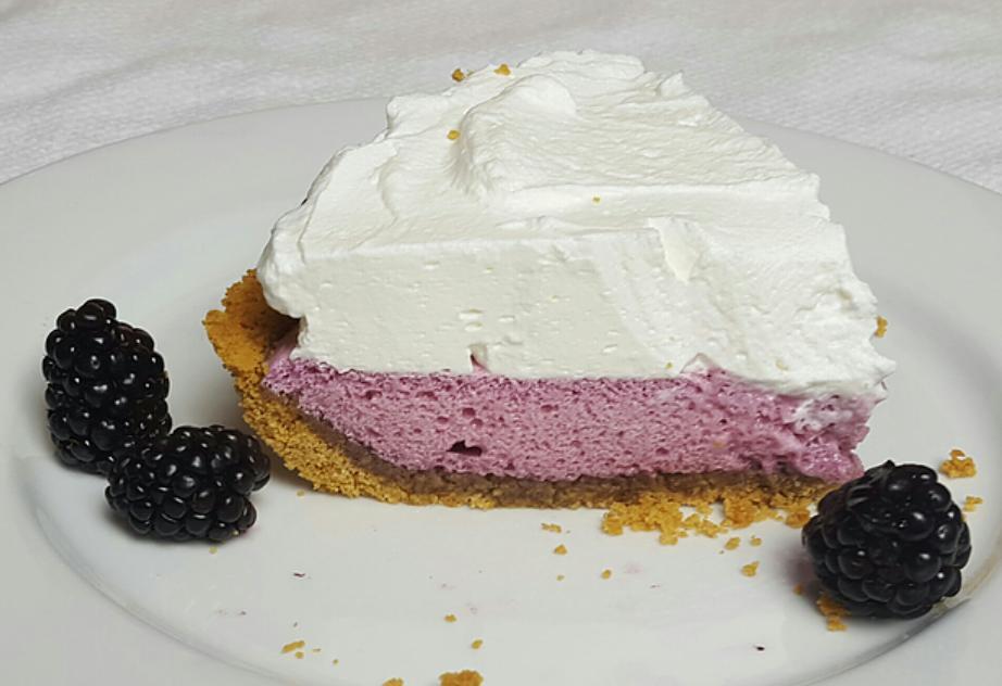 Ежевичный пирог с воздушным кремом: наслаждение в каждом кусочке